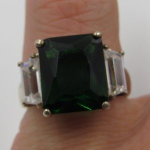 Jewelry - Vintage Size 5.25 Sterling Clear & Green CZ Ring